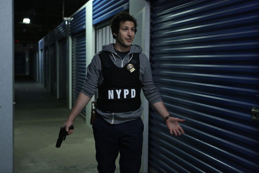 Jake Peralta (Andy Samberg) - Bildquelle: Beth Dubber 2013 NBC Studios LLC. All Rights Reserved. / Beth Dubber