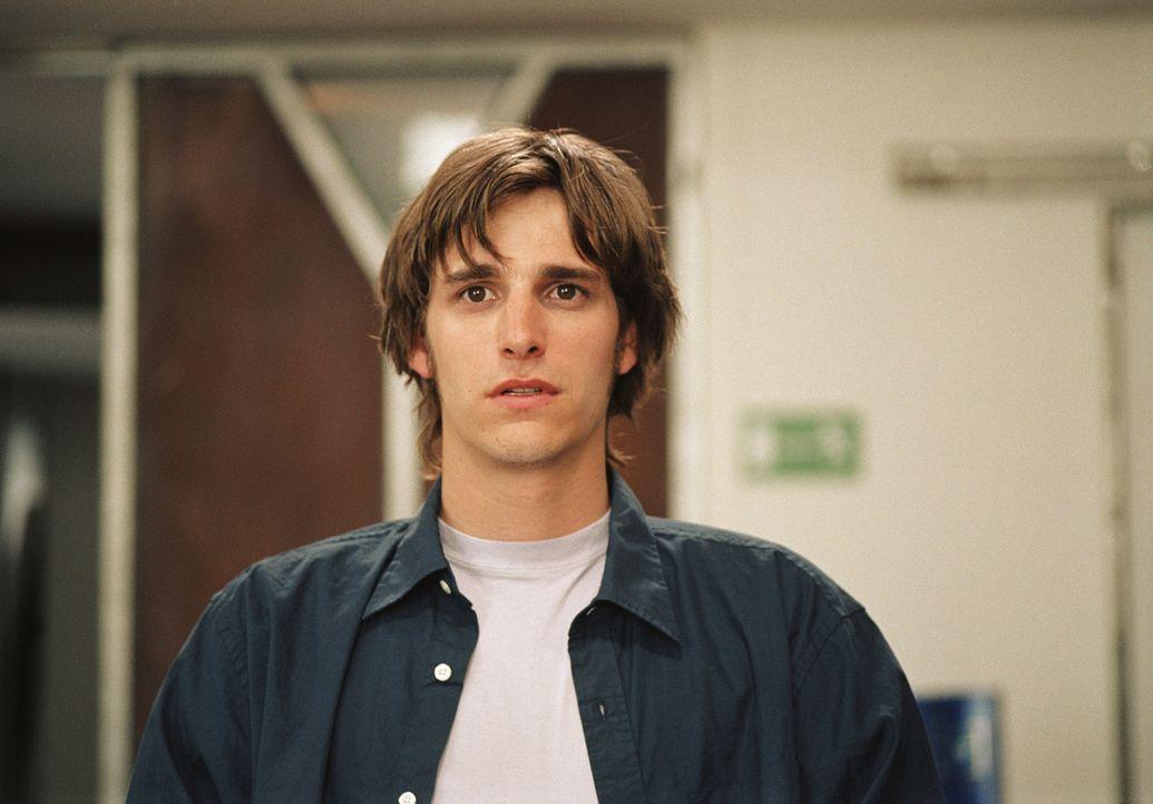 Seit Beginn seines Studiums ist der schüchterne Thomas (Max von Thun) unsterblich in eine überaus attraktive Kommilitonin verliebt. Eines Tages sp... - Bildquelle: Lucia Fuster ProSieben