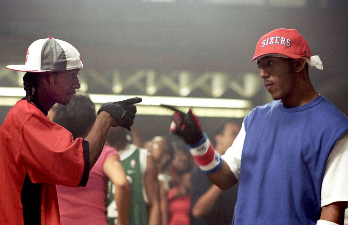 Die beiden Street Dancer Elgin (Marques Houston, r.) und David (Omari Grandberry, l.) sind die besten Freunde - bis eines Tages David mit Elgins Sch... - Bildquelle: 2004 Screen Gems, Inc. All Rights Reserved.