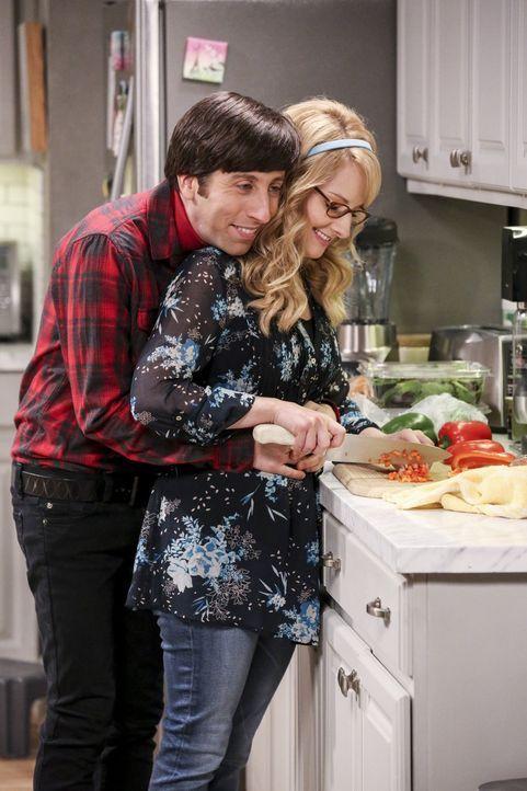 Schleimbeutel Howard (Simon Helberg, l.) versucht, wirklich alles, um seine Bernadette (Melissa Rauch, r.) rumzukriegen. Aber die Nuss scheint, nich... - Bildquelle: 2016 Warner Brothers