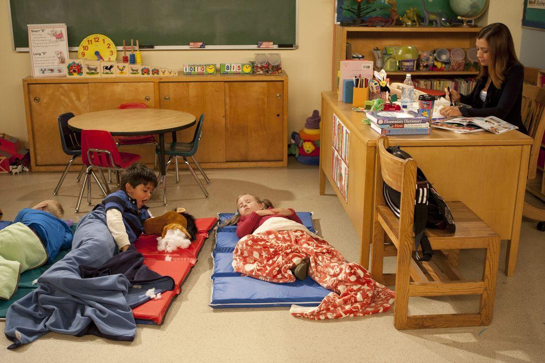 Als Teds Studenten seine Vorlesung boykottieren, bittet er Lily (Alyson Hannigan, r.) um Hilfe. Als Vorschullehrerin mit viel Erfahrung weiß sie, w... - Bildquelle: 20th Century Fox International Television