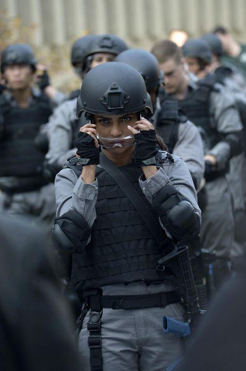 In Quantico stehen die Rekruten vor einer schweren Aufgabe, sie müssen ein Geiseldrama beenden, was Alex (Priyanka Chopra) an ihre Grenzen bringt ... - Bildquelle: 2015 ABC Studios