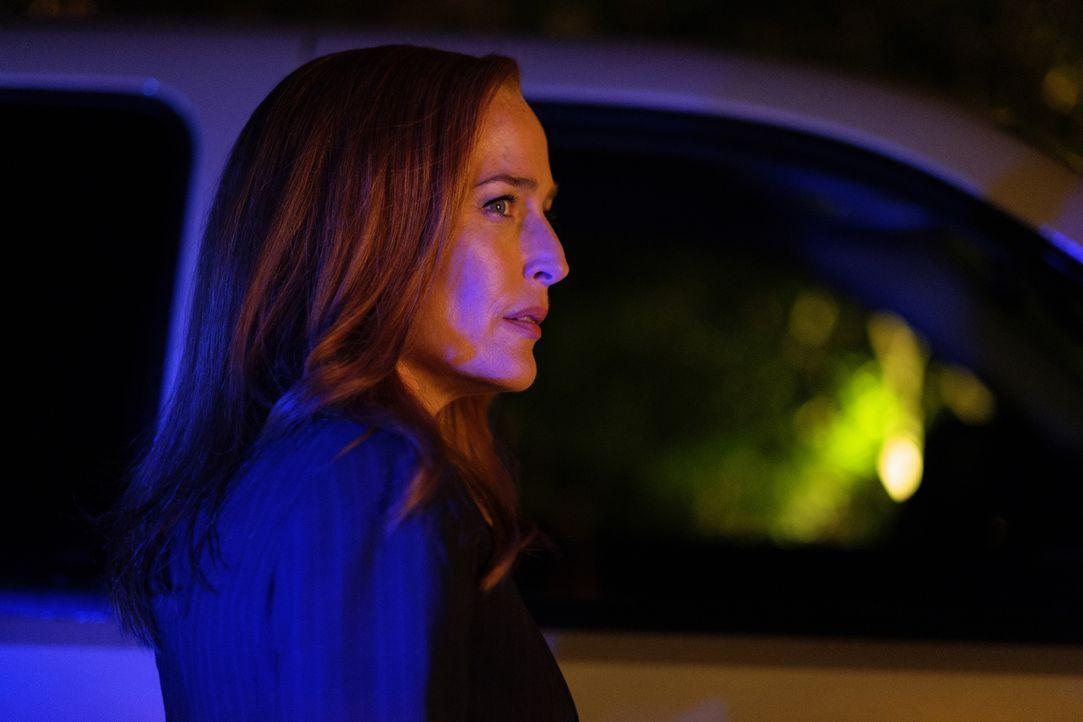 Der Besuch bei der psychisch labilen Judy bringt Scully (Gillian Anderson) schließlich zum Nachdenken ... - Bildquelle: Shane Harvey 2017 Fox and its related entities.  All rights reserved.