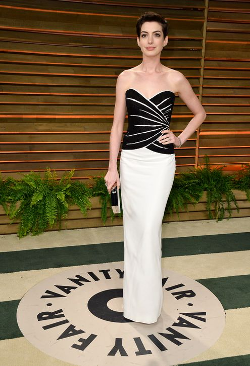 Oscars-Vanity-Fair-Party-Anne-Hathaway-140302-getty-AFP - Bildquelle: getty-AFP
