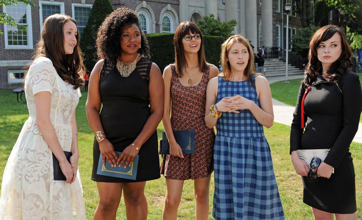 (v.l.n.r.) Claire (Katie Chang); Sugar (Jazmyn Richardson); Jodi (Victoria Justice); Mindy (Eden Sher); Virginia (Ashley Rickards) - Bildquelle: Jacob Hutchings SquareOne Entertainment / Universum Film