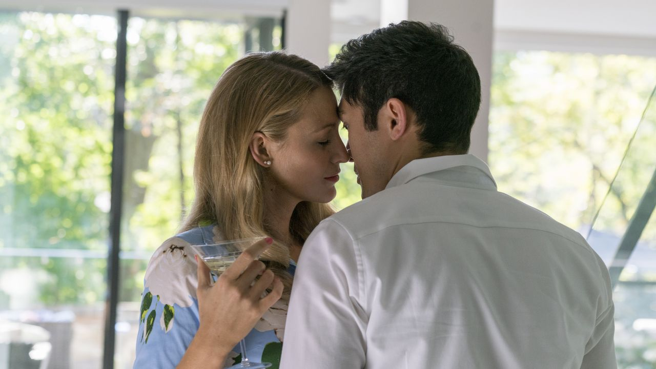 Emily Nelson (Blake Lively, l.); Sean Townsend (Henry Golding, r.) - Bildquelle: Peter Iovino LIONSGATE / Peter Iovino