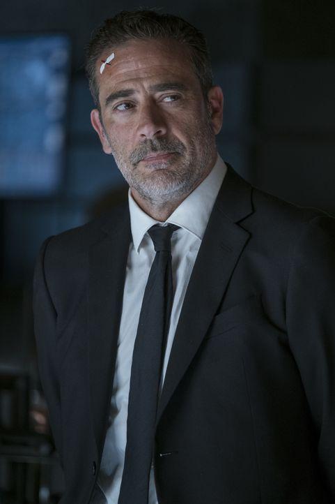 Harvey Russell (Jeffrey Dean Morgan) - Bildquelle: 2018 Warner Bros. Entertainment Inc. All rights reserved.
