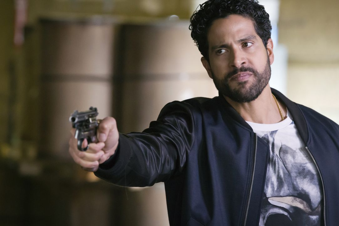 Ist Cookie mittlerweile komplett verfallen, doch alles wird viel komplizierter als sie die Wahrheit über ihn herausfindet: Laz (Adam Rodriguez) ... - Bildquelle: Chuck Hodes 2015-2016 Fox and its related entities.  All rights reserved.
