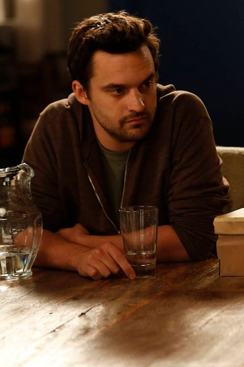 Spielt Schmidt einen Streich nach dem anderen, um ihm zu zeigen, dass er auch nicht mehr der Jüngste ist: Nick Miller (Jake Johnson) ... - Bildquelle: 2012 Twentieth Century Fox Film Corporation. All rights reserved.