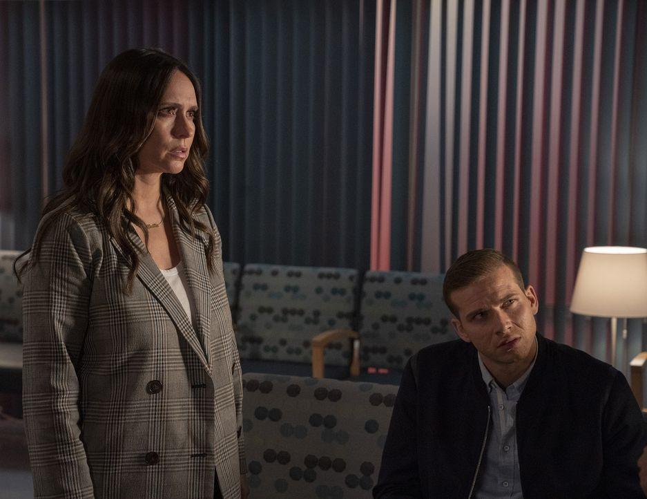 """Maddie Kendall (Jennifer Love Hewitt, l.); Evan """"Buck"""" Buckley (Oliver Stark, r.) - Bildquelle: Jack Zeman 2019-2020 Twentieth Century Fox Film Corporation.  All rights reserved. / Jack Zeman"""