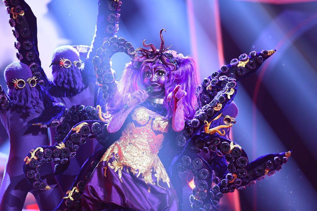 """In der neuen ProSieben Show """"The Masked Singer"""" treten Stars aus allen Lebensbereichen in opulenten, aufwendigen Kostümen an, die sie völlig unerken... - Bildquelle: Willi Weber ProSieben / Willi Weber"""