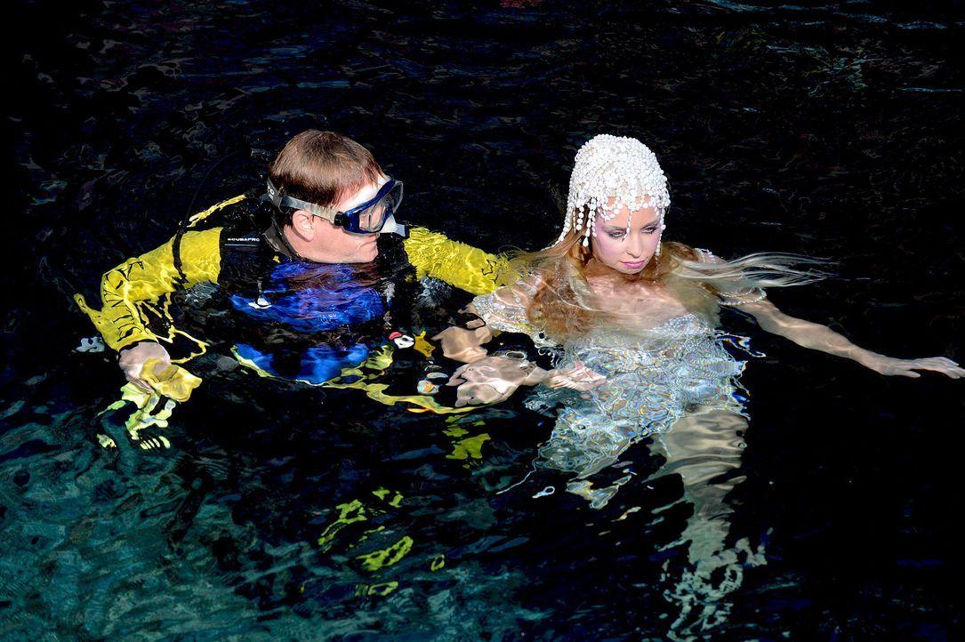 gntm-stf08-epi02-unterwasser-shooting-49-oliver-s-prosiebenjpg 2000 x 1331 - Bildquelle: Oliver S. - ProSieben