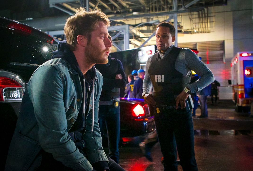 Während Brian (Jake McDorman, l.) immer mehr mit den Nebenwirkungen von NZT kämpfen muss, ermitteln Boyle (Hill Harper, r.) und Rebecca weiter, um S... - Bildquelle: David M. Russell 2016 CBS Broadcasting, Inc. All Rights Reserved