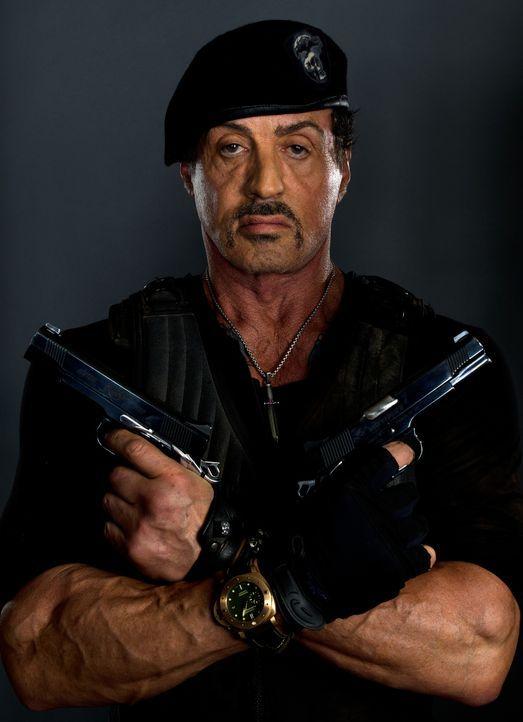 Barney Ross (Sylvester Stallone) ist der Kopf einer Truppe von Söldnern, die nichts Geringeres planen, als eine atomare Bedrohung von der Welt abzuw... - Bildquelle: BARNEY'S CHRISTMAS, INC.  ALL RIGHTS RESERVED