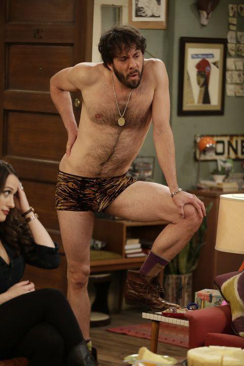 Bei Oleg (Jonathan Kite) und Sophie will es einfach nicht mit dem Baby klappen, da kann auch die Leo-Unterwäsche nicht helfen ... - Bildquelle: Warner Brothers