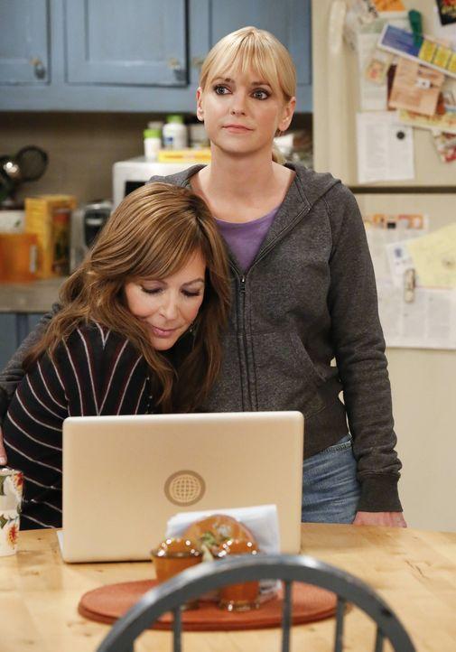 Halten immer zusammen: Christy (Anna Faris, r.) und ihre Mutter Bonnie (Allison Janney, l.) ... - Bildquelle: 2016 Warner Bros. Entertainment, Inc.