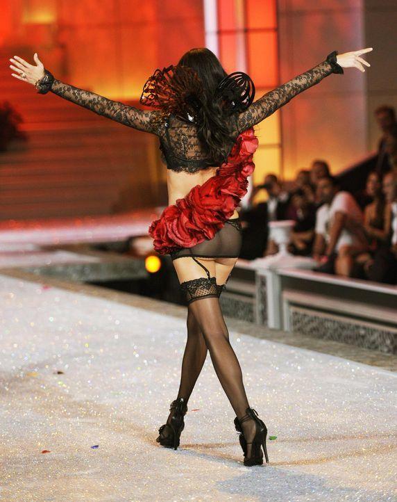victoria-secret-fashion-show-2011-23-adriana-lima-afpjpg 1504 x 1900 - Bildquelle: AFP