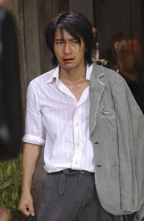 Als Sing (Stephen Chow) sich mit einer Vermieterin und deren Mann anlegen soll, um in die berühmte Axt-Gang aufgenommen zu werden, ist er überzeugt,... - Bildquelle: 2004 Columbia Pictures Film Production Asia Limited. All Rights Reserved.