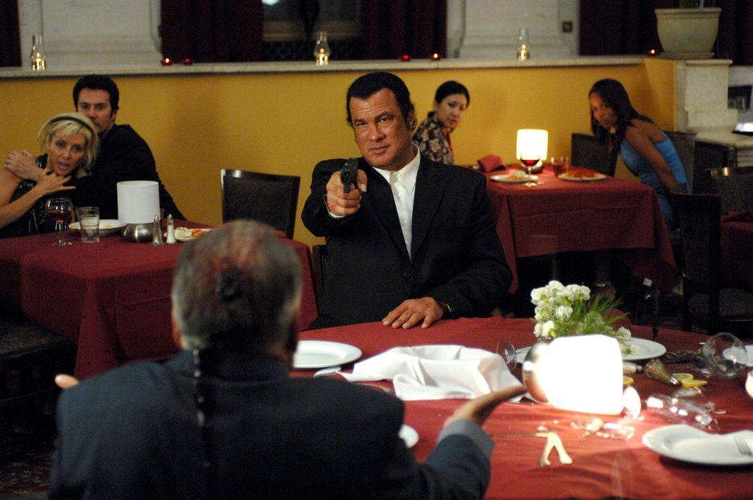 Schreckt vor nichts und niemandem zurück: der ehemalige Cop Matt (Steven Seagal) ... - Bildquelle: 2007 Worldwide SPE Acquisitions Inc. All Rights Reserved.