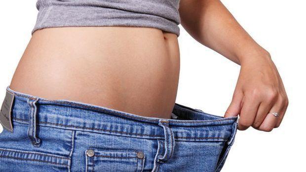 Wie es wohl wäre, dick zu sein? Schlanke Menschen können sich häufig nicht in...