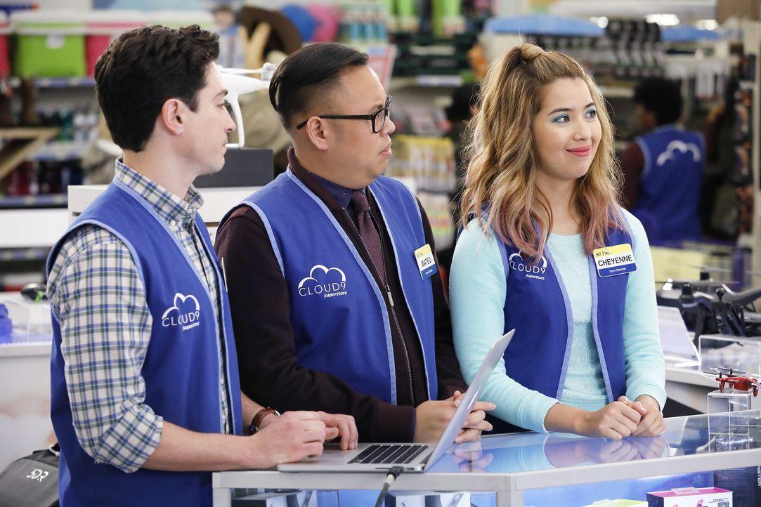(v.l.n.r.) Jonah (Ben Feldman); Mateo (Nico Santos); Cheyenne (Nichole Bloom) - Bildquelle: Trae Patton 2016 Universal Television LLC. ALL RIGHTS RESERVED. / Trae Patton