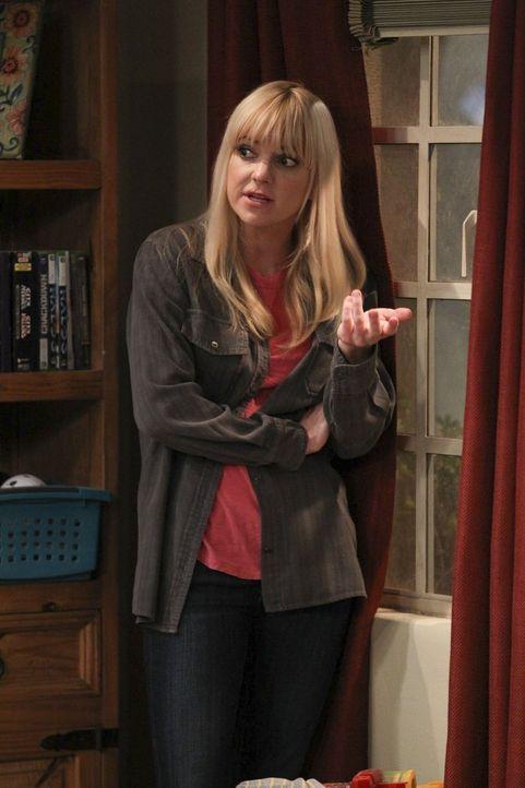 Kann nicht fassen, dass ihre Mutter einen Alvin-Schrein gebaut hat: Christy (Anna Faris) ... - Bildquelle: Warner Bros. Television