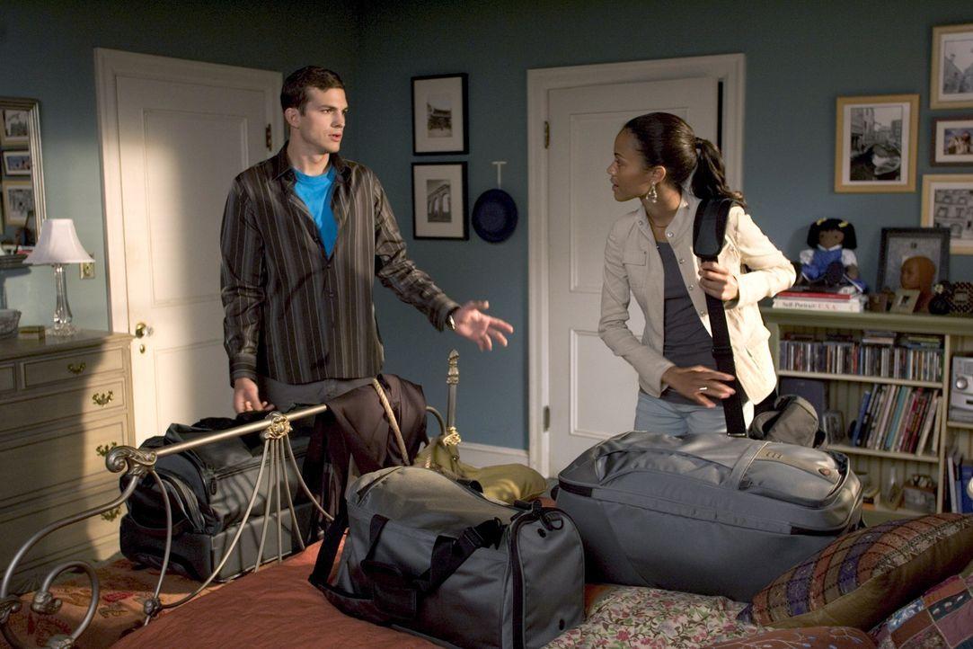Simon und Theresa (Ashton Kutcher, l.; Zoe Saldana, r.) sind schon lange ein Paar. Nun wollen sie ihre Verlobung bekannt geben. Theresa jedoch, die... - Bildquelle: 2007 CPT Holdings, Inc. All Rights Reserved. (Sony Pictures Television International)