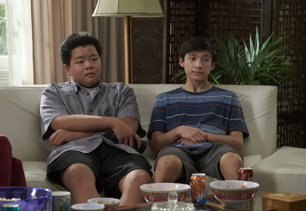 Eddie Huang (Hudson Yang, l.); Emery Huang (Forrest Wheeler, r.) - Bildquelle: 2018-2019 American Broadcasting Companies.  All rights reserved.