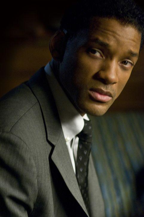 Er hat mit seinem Leben längst abgeschlossen, doch dann begegnet ihm die Liebe: Ben Thomas (Will Smith) ... - Bildquelle: 2008 Columbia Pictures Industries, Inc. and Beverly Blvd LLC. All Rights Reserved.