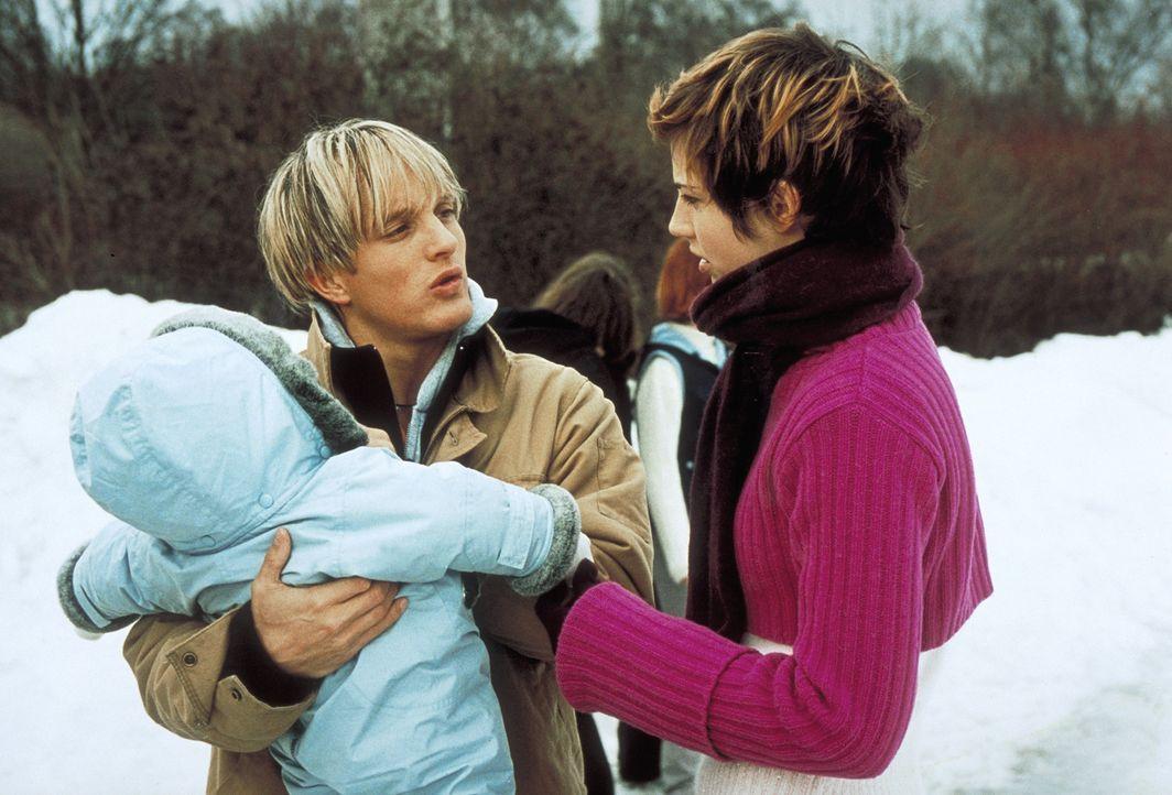 Schon bald weiß Frank (Niki Jondral, l.), dass er Lilly nicht mehr hergeben könnte. Auch dann nicht, wenn er deshalb seine Traumfrau Vanessa (Jana... - Bildquelle: ProSieben