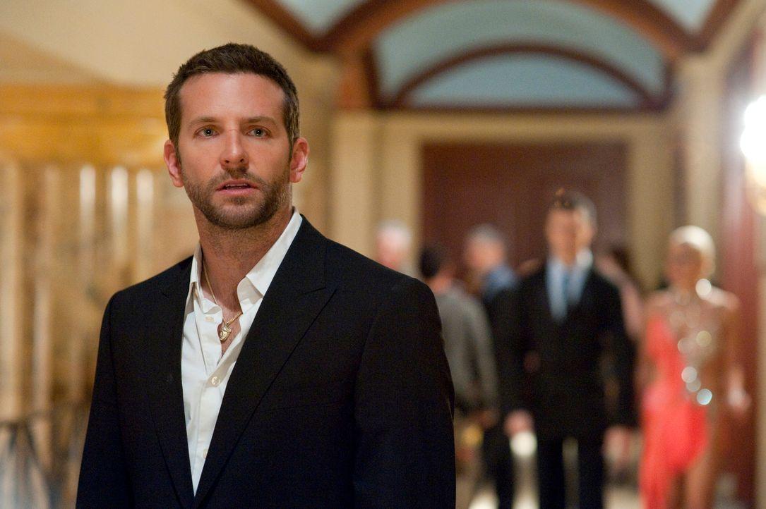 Der Lehrer Pat (Bradley Cooper) steckt in einer echten Lebenskrise. Ende dreißig, getrennt von seiner Frau und gerade aus einer psychiatrischen Klin... - Bildquelle: 2012 The Weinstein Company.