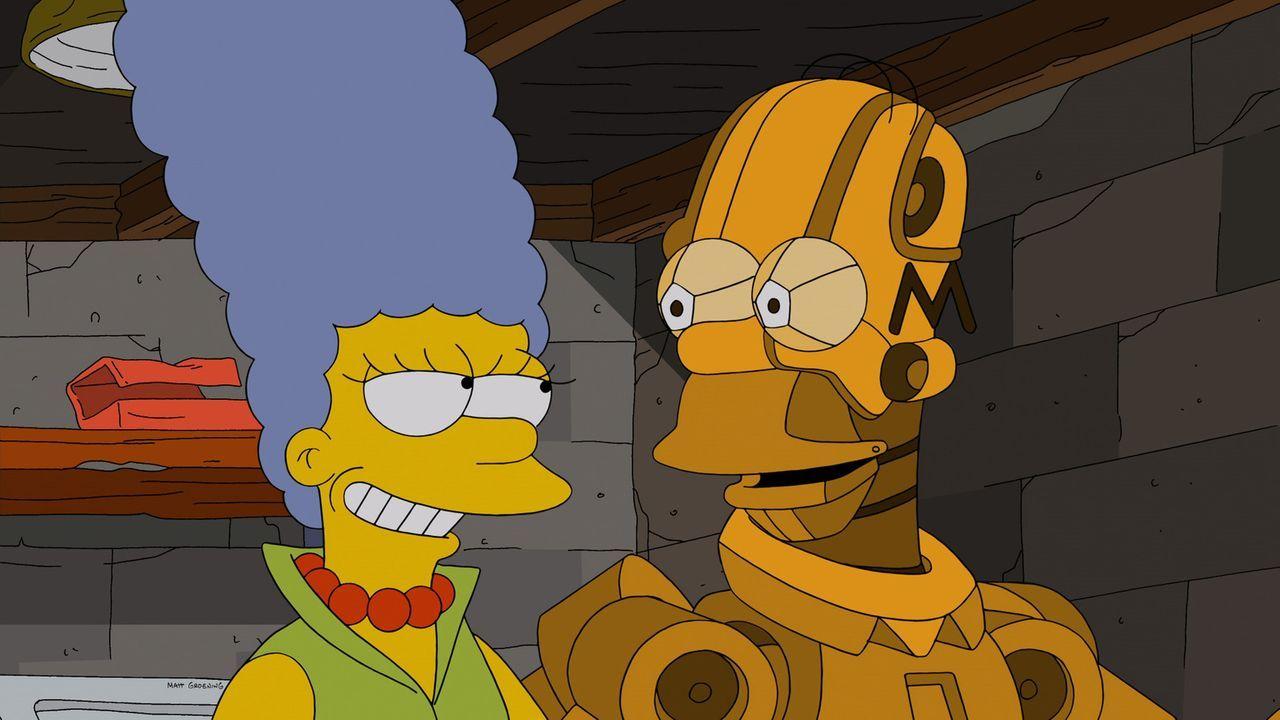 Endlich glücklich: Anders als der geklonte Homer ist der Roboter-Homer (r.) eine ganz andere Persönlichkeit als das Original und hilft Marge (l.) so... - Bildquelle: 2013 Twentieth Century Fox Film Corporation. All rights reserved.