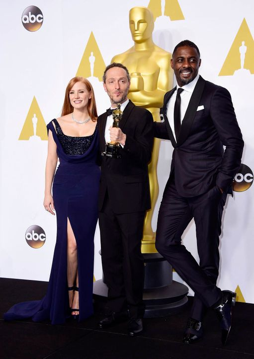 Oscars-Emmanuel-Lubezki-Jessica-Chastain-Idris-Elba-15-02-22-dpa - Bildquelle: dpa