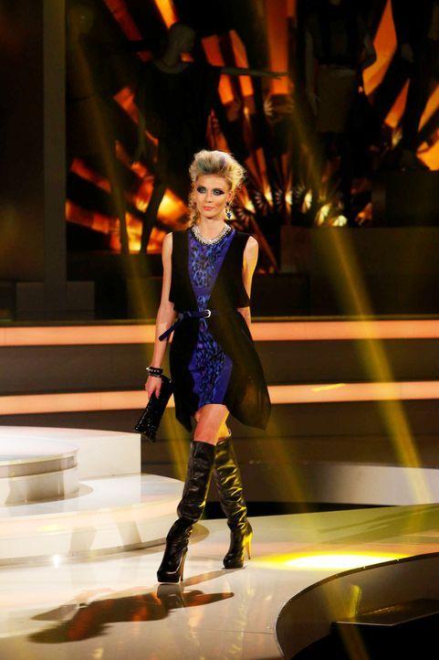 Fashion-Hero-Epi07-Gewinneroutfits-Rayan-Odyll-s-Oliver-05-Richard-Huebner-TEASER - Bildquelle: Richard Huebner