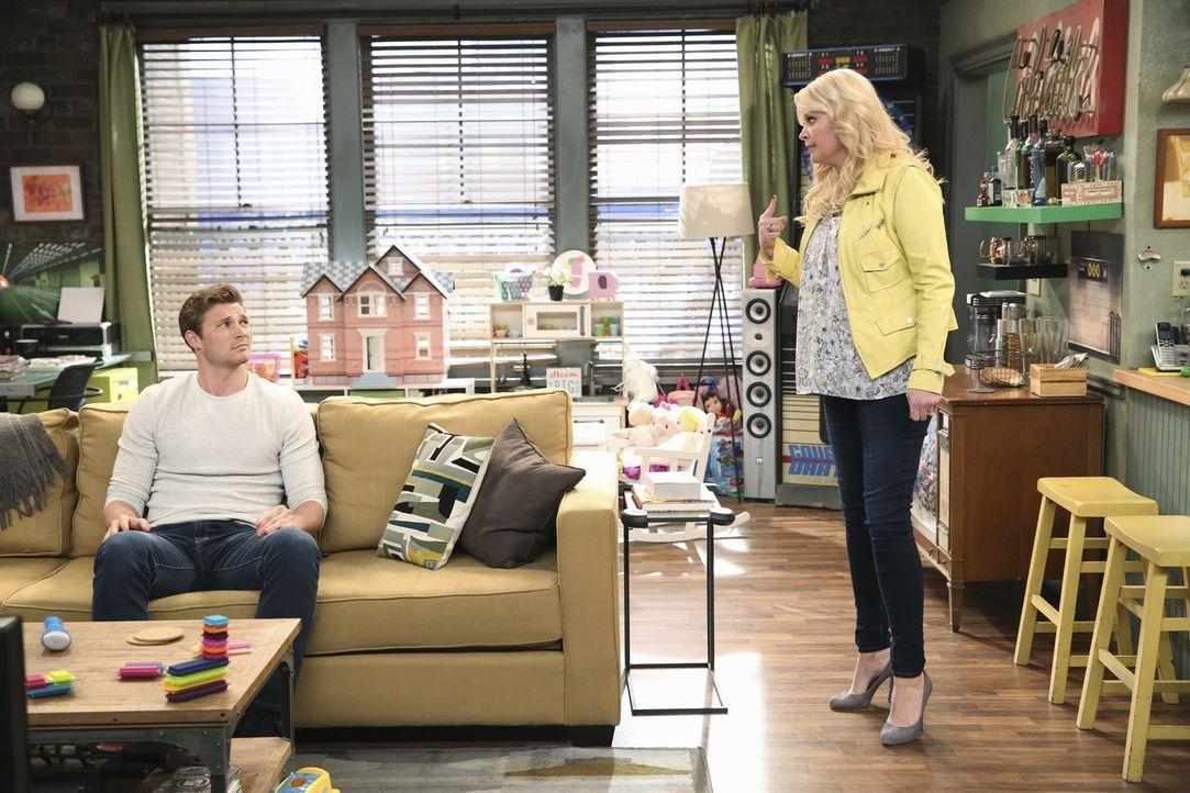 Danny (Derek Theler, l.); Bonnie (Melissa Peterman, r.) - Bildquelle: Adam Taylor ABC Family