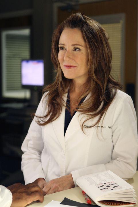 Cristina muss sie die seltsame Dr. Dixon (Mary McDonnell) bei einem Probearbeitstag betreuen, was ihr gar nicht gefällt ... - Bildquelle: Craig Sjodin 2008 American Broadcasting Companies, Inc. All rights reserved. / Craig Sjodin