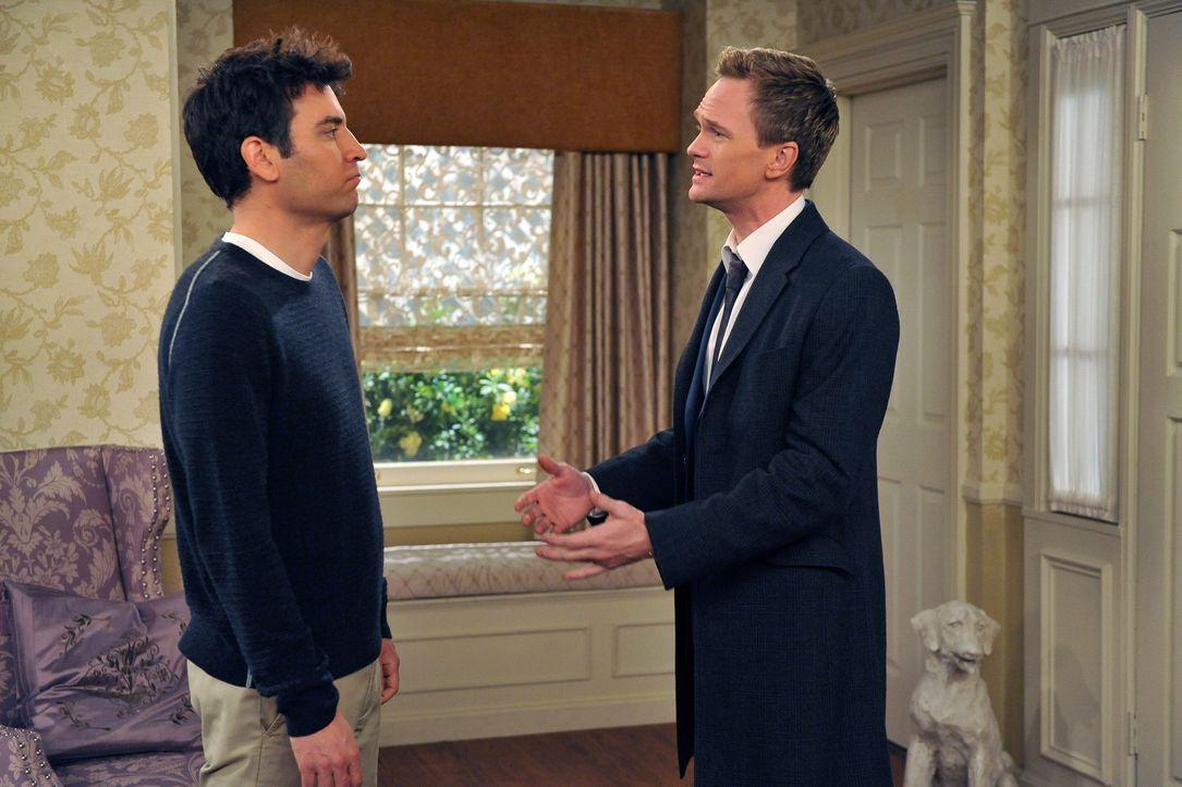 Haben einen Plan, der ihr Leben total verändern könnte: Barney (Neil Patrick Harris, r.) und Ted (Josh Radnor, l.) ... - Bildquelle: 20th Century Fox International Television