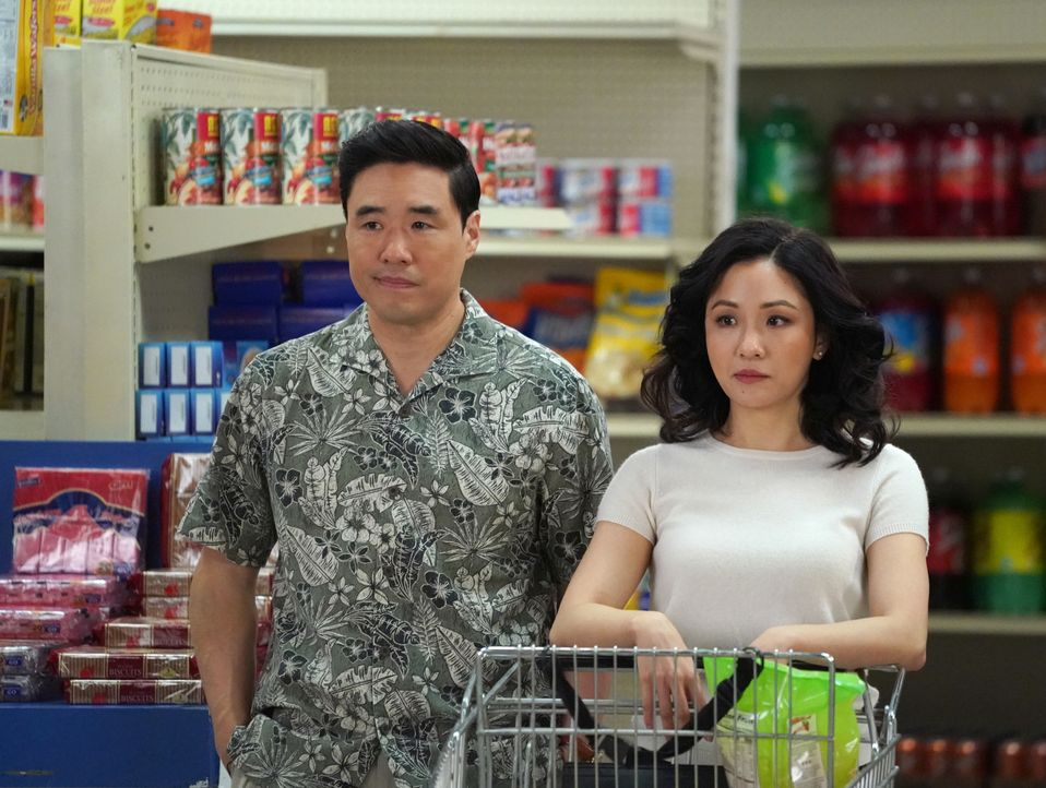 Louis Huang (Randall Park, l.); Jessica Huang (Constance Wu, r.) - Bildquelle: 2018-2019 American Broadcasting Companies.  All rights reserved.