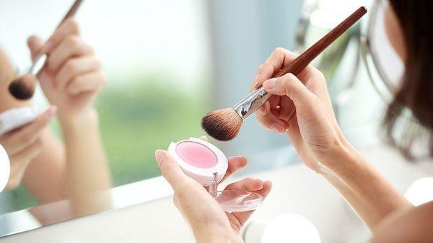 Ovales, rundes, eckiges oder herzförmiges Gesicht – du suchst nach Make-up Tu...