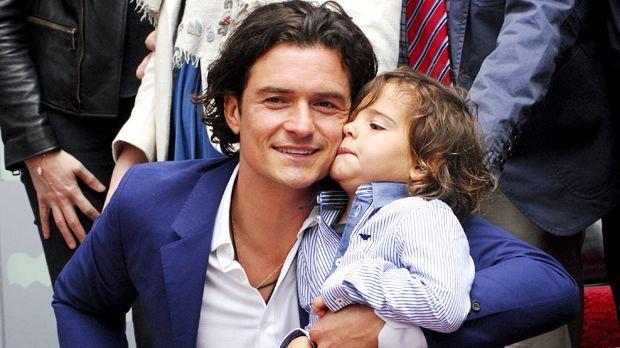Orlando Bloom und sein Sohn Flynn - Bildquelle: Apega/WENN.com