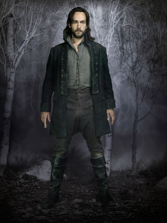 Sleepy-Hollow-Ichabod-Crane-Tom-Mison-(3)