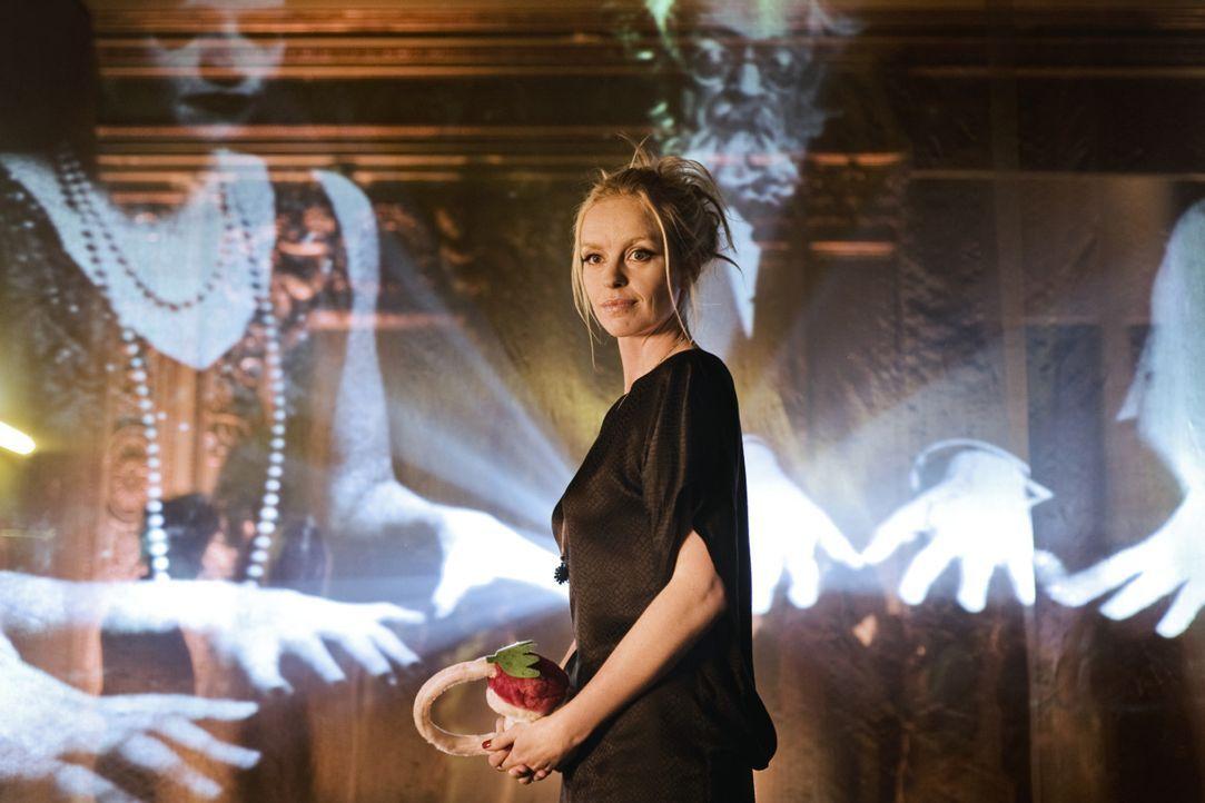 Einst lebte Louise (Nina Hoss) am Hofe Friedrich des Großen, jetzt durchstreift die das nächtliche Berlin auf der Suche nach der großen Liebe - u... - Bildquelle: 2010 Constantin Film Verleih GmbH.