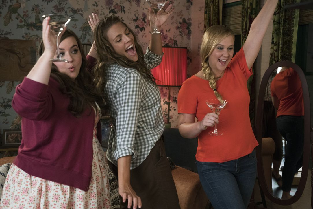 (v.l.n.r.) Vivian (Aidy Bryant); Jane (Busy Philipps); Renee Bennett (Amy Schumer) - Bildquelle: 2018 TBV PRODUCTIONS, LLC. ALL RIGHTS RESERVED.