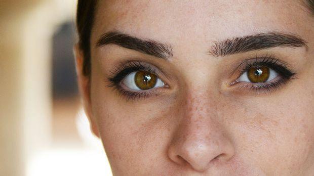 Wunderschöne Augenbrauen für einen atemberaubenden Augenaufschlag