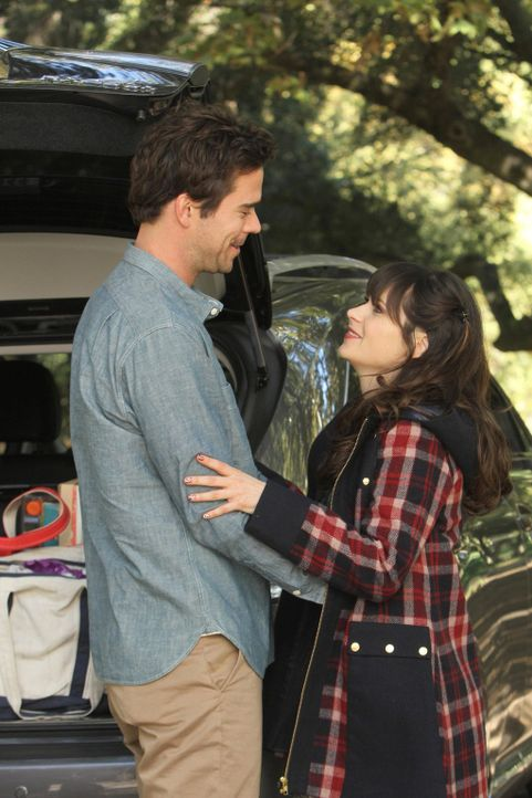 Ihr geplanter Wochenendausflug endet anders als erwartet: Jess (Zooey Deschanel, r.) und Sam (David Walton, l.) ... - Bildquelle: 2012 Twentieth Century Fox Film Corporation. All rights reserved.