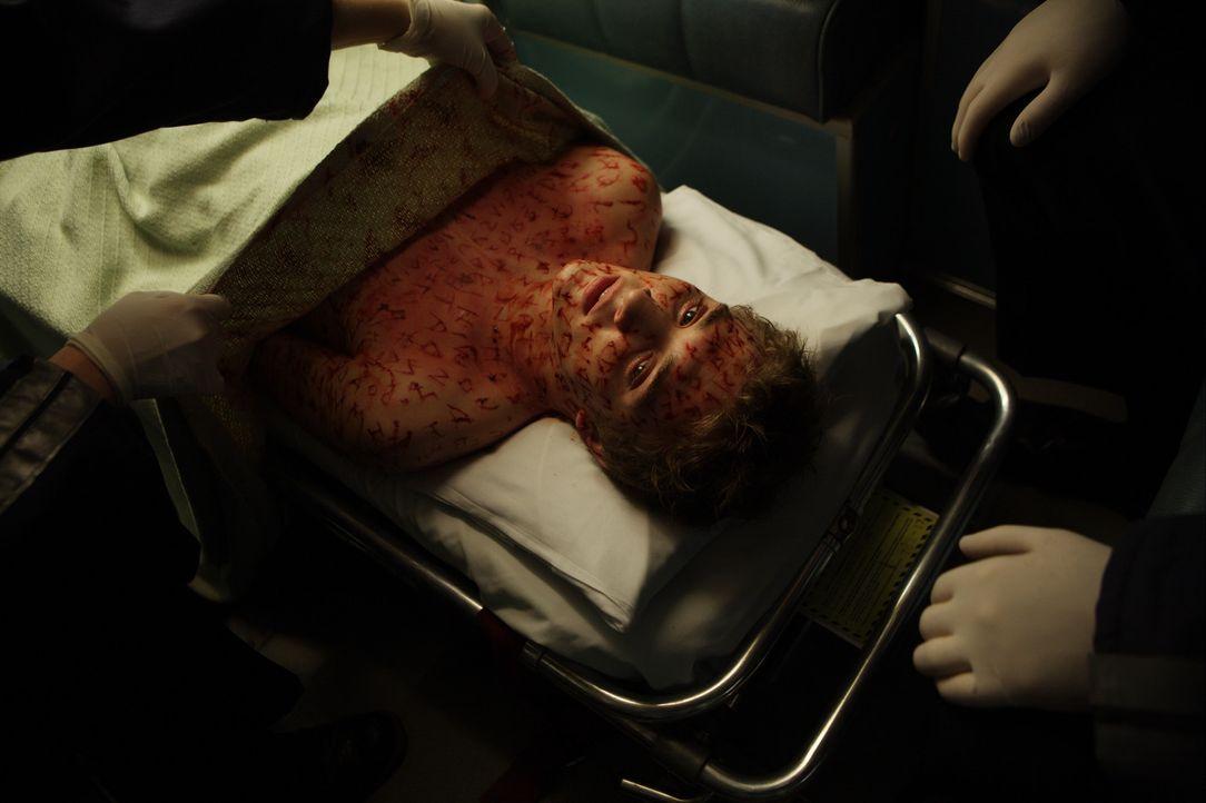 Kaum in das neue Haus eingezogen, da gerät der an Krebs erkrankte Matt (Kyle Gallner) auch schon ins Visier wütender Geister, die ihm nach dem Leb... - Bildquelle: Falcom Media