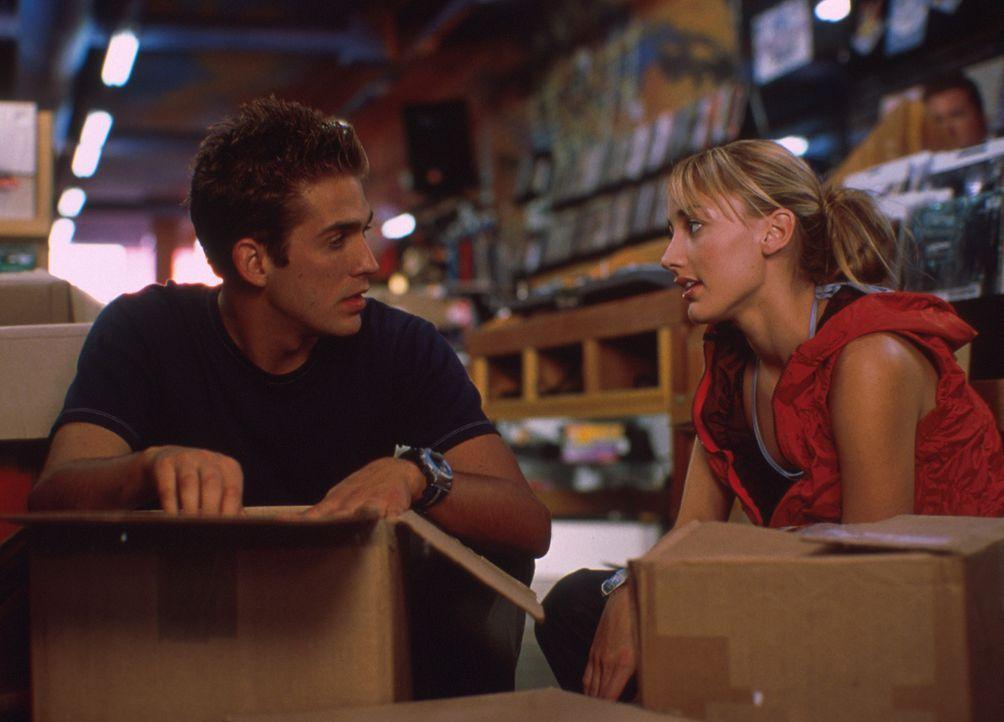 Als Billy (Eric Szmanda, r.) auf die junge Showtänzerin Maya (Bree Turner, l.) trifft, verliebt er sich Hals über Kopf in sie ... - Bildquelle: Mistral Pictures, LLC