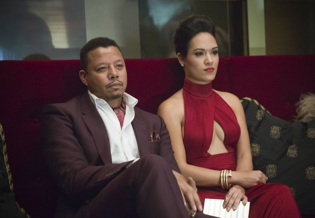Hakeem soll durch sein Duett mit der jungen Sängerin Tiana den großen Durchbruch schaffen. Lucious (Terrence Howard, l.) sieht mit seiner Freundin A... - Bildquelle: 2015 Fox and its related entities.  All rights reserved.