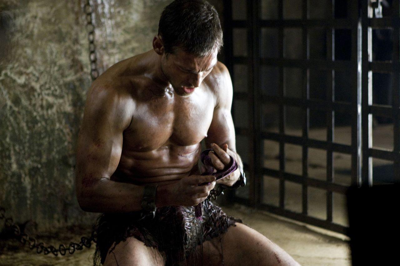ждем документальные фильмы про голых мускулистых парней пошел дождь