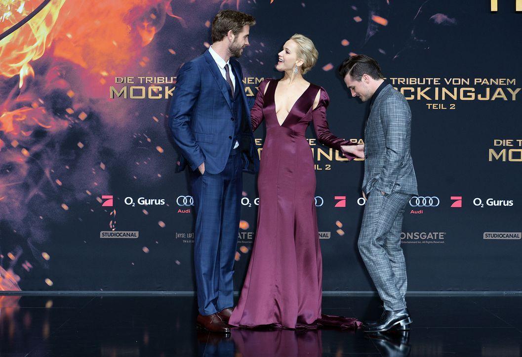 Premiere-Mockingjay-Liam-Hemsworth-Jennifer-Lawrence-Josh-Hutcherson-15-11-04-2-dpa - Bildquelle: dpa